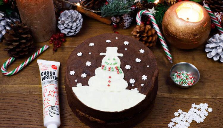 Chocolate Cake with Christmas Cake Decorating Kit